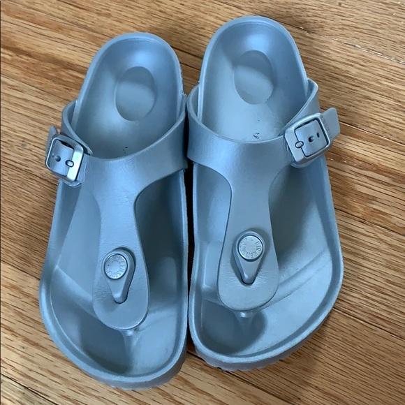 Girls Birkenstock Sandals EUC 33